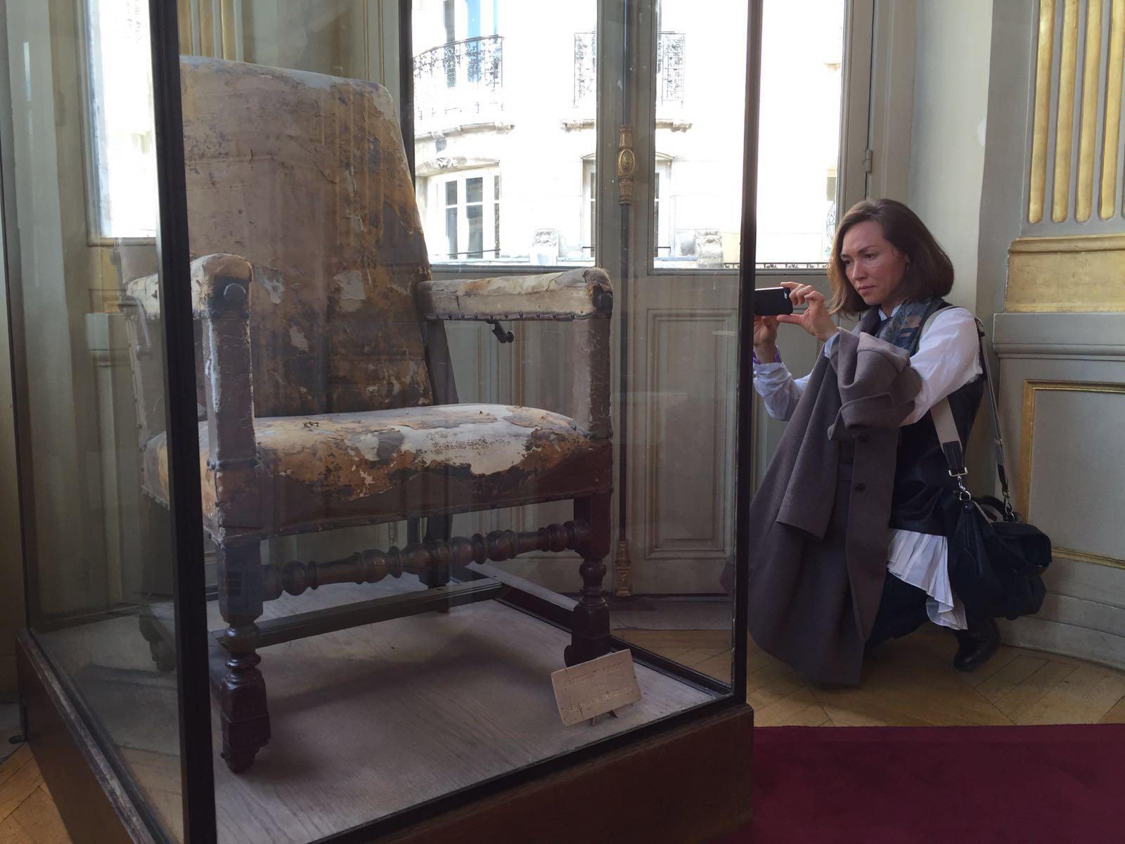 Мольеровское кресло.