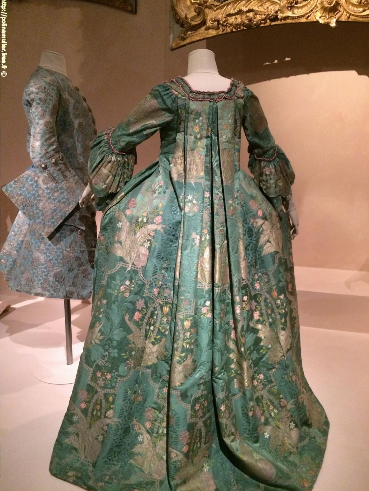"""Самое """"старшее"""" платье музея. 1740 г."""