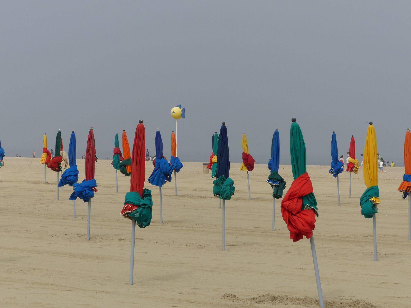 Пляж. Довиль. Deauville.